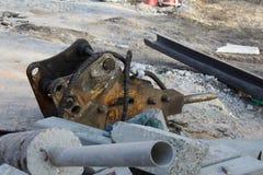 Triturador hidráulico del excavador Imagen de archivo libre de regalías