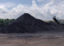 Triturador na armazenagem, betuminosa - carvão antracífero, carvão do nível superior imagem de stock
