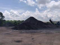 Triturador na armazenagem, betuminosa - carvão antracífero, carvão do nível superior fotografia de stock