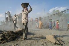 Trituradoras de piedra en la India Imagen de archivo libre de regalías