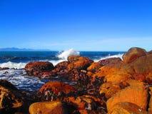 Trituradores del océano de la línea de la playa Fotografía de archivo