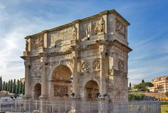 Triumf- båge av Constantine i Rome, Italien Arkivbild