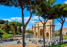 Triumf- båge i forntida Rome Italien berömd landmark arkivfoton