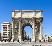 Triumf- båge Porte också som är bekant som Porte Royale i Marseille Arkivfoto