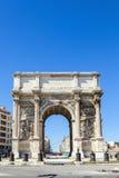 Triumf- båge Porte också som är bekant som Porte Royale i Marseille Fotografering för Bildbyråer