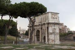 Triumfalny łuk, Roma, Czerwiec 2016, widok w mieście, Rzym, wakacje, architektura fotografia stock