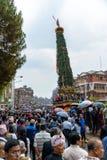 Triumfvagn av processionen för regnRato Machhindranath i Patan, Nepal Royaltyfri Bild