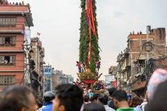 Triumfvagn av processionen för regnRato Machhindranath i Patan, Nepal Royaltyfria Foton