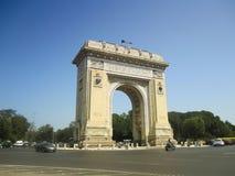 Triumph båge i Bucharest, Rumänien Arkivfoton