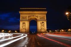 Triumph-Bogen nachts Stockfotografie