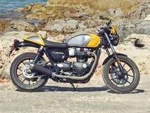 Triumph motocykl - Triumph filiżanki Uliczny bliźniak obrazy stock