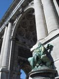 triumphal ärke- brussels royaltyfria bilder