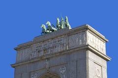 Triumphal båge av Madrid royaltyfria foton