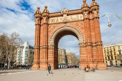 Triumphal båge i barcelona Royaltyfria Bilder