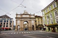Triumphbogen in der Stadt von Innsbruk, Tirol, Österreich lizenzfreies stockfoto