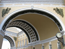 Triumphbogen des Generalstabs, St Petersburg stockbilder