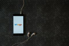 Trivago logo na smartphone ekranie zdjęcia royalty free