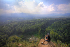 Trivalling runt om berget av Tangkuban Perahu i Bandung, Indonesien Royaltyfri Foto