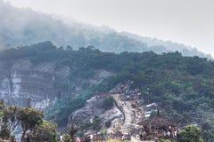 Trivalling runt om berget av Tangkuban Perahu i Bandung, Indonesien Royaltyfria Foton