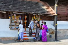 Trivandrum Tiruvaṉantapuraṁ, Kerala, India, March, 12, 2019. People in front of souvenir shop near the Palace of Maharaja. Trivandrum Tiruvaṉ stock images