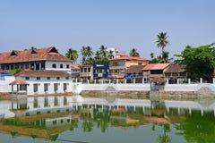 Trivandrum, Керала, Индия, 12-ое марта 2019 Пруд для омовений перед виском Vishnu, Padmanabha стоковые изображения