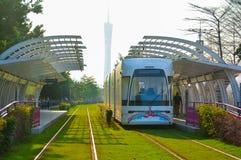 Término de autobuses ahorro de energía verde (sistema de transporte público urbano) Fotografía de archivo libre de regalías