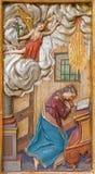 Trnava - η χαρασμένη Annunciation ανακούφιση από το δευτερεύοντα βωμό στην εκκλησία Jesuits από 19 σεντ Στοκ Εικόνα