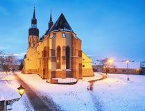 Trnava kyrktar, Slovakien - Saint Nicolas på vintern Arkivfoto