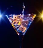 Tärning och martini Fotografering för Bildbyråer