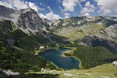 Trnovacko See, Maglic Berge Lizenzfreies Stockbild