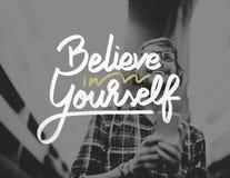 Tro i dig som är säker, uppmuntrar motivationbegrepp Fotografering för Bildbyråer