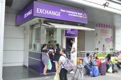 A troca de dinheiro de Siam Commercial Bank em Banguecoque Imagem de Stock Royalty Free