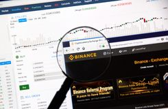 Troca do cryptocurrency de Binance foto de stock royalty free