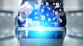 Troca do cryptocurrency de Bitcoin e conceito do investimento Tecnologia financeira, Fintech e dinheiro digital fotografia de stock