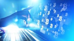Troca do cryptocurrency de Bitcoin e conceito do investimento Tecnologia financeira, Fintech e dinheiro digital fotografia de stock royalty free