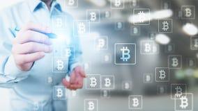 Troca do cryptocurrency de Bitcoin e conceito do investimento Tecnologia financeira, Fintech e dinheiro digital foto de stock