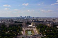 Trocadero庭院在夏天,巴黎,法国 免版税库存图片