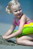trochę plażowa dziewczyna Zdjęcia Royalty Free