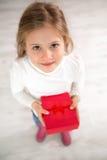 trochę prezent śliczna dziewczyna Obrazy Royalty Free