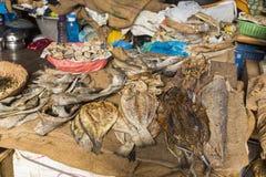 Trockene Fische im Markt Stockfoto