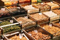 Trockene Früchte für Verkauf im Markt Stockbild