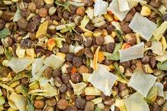 Trockene Mischung des Spalten-Erbseneintopfgerichts, Erbsensuppe Gebrauchsfertige Suppe mit smo Stockfotos