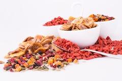 Trockenfrüchte und Beeren stockfoto