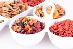 Trockenfrüchte und Beeren stockbild