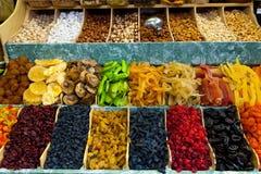 Trockenfrüchte und Nüsse Stockbilder