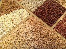 Trockenfrüchte und Nüsse geholt von Asien und in Europa verkauft lizenzfreie stockfotografie