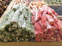Trockenfrüchte und Nüsse geholt von Asien und in Europa verkauft stockbild