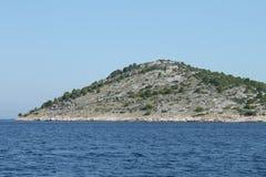 Trockenmauern auf Kornati-Inseln Stockfotos