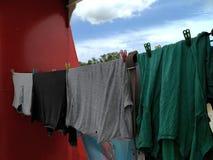 Trocknende Kleidung lizenzfreie stockfotografie