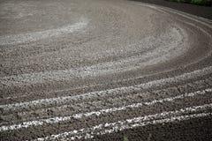 Trocknende Rückstände in Düngemittel See für trocknendes Abwasser Lassen Sie Exkremente ab Stockbilder